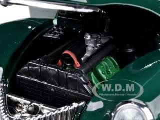 1939 FORD TUDOR DELUXE GREEN 1/18 DIECAST MODEL CAR