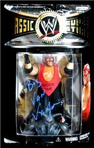 VADER SIGNED 2005 WWE CLASSIC SUPERSTARS NM FIGURE EXACT PROOF. LEON