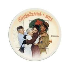 Norman Rockwell 2011 Annual Christmas Plate Home & Kitchen