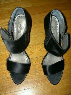 Kathryn Morris As Tara Beane Black Satin Platinum Heels Shoes Worn In