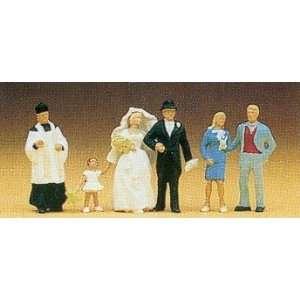 Preiser 10058 Wedding Group Catholic: Toys & Games