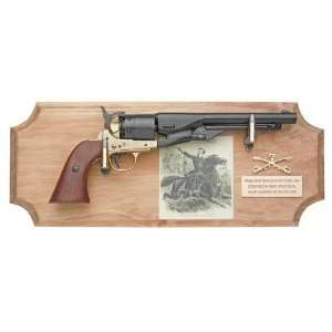 GEORGE CUSTER FRAMED SET NON FIRING REPLICA GUN