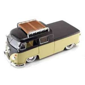 Bus Pickup w/Luggage Rack V DUBS 1/24 (Mass) Tan / Black: Toys & Games