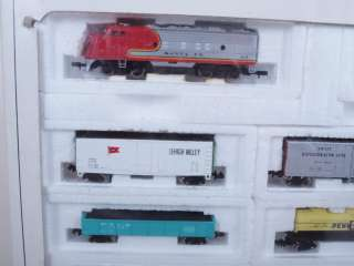 Bachmann 4406 N Scale Long Hauler Set w/ 2 Locos & 6 Cars Track