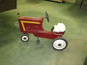 International Harvester Tractor Pedal Car Vintage 70,s Die Cast