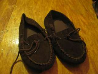 Isotoner mens moccasins slipper dark brown SUEDE size 9.5 / 10.5