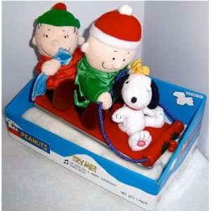 Peanuts Charlie Brown Christmas Snoopy Musical Sleigh Toys & Games