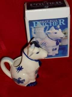 DELFT BLUE COW PITCHER w/box