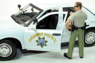 Set Of 2 Ford Victoria CHP W/ Police Officer 1/18 White