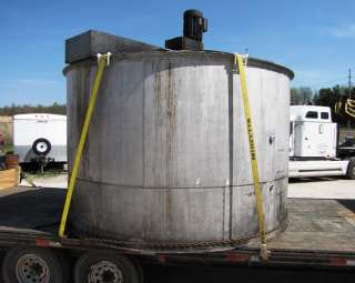 3,500 GALLON STAINLESS STEEL TANK WITH MIXER