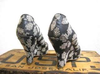 MALOLES Womens Gorgeous Black & White Embroidered Peep Toe Wedge Shoes