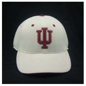 INDIANA HOOSIERS OFFICIAL NCAA LOGO ONE FIT PERFORMANCE