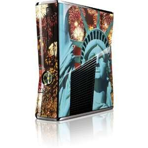 Skinit The Statue of Liberty Vinyl Skin for Microsoft Xbox