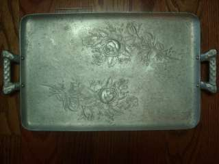 VINTAGE EVERLAST FORGED ALUMINUM HAMMERED TRAY WITH BEAUTIFUL ROSES