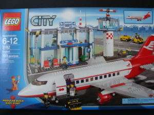 NEW LEGO CITY Airport 3182 Airplane Plane Terminal Control Tower