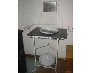LAVABO / Lavatoio antico dell800 a Pinerolo    Annunci