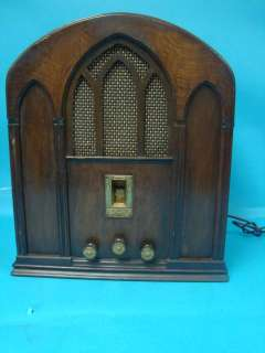 Antique Art Deco Zenith AH Tube Radio Cathedral Tombstone Table Top