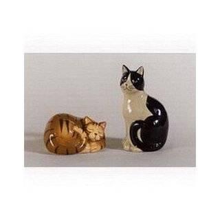 Kitty Cat Themed Ceramic Salt & Pepper Shakers Set