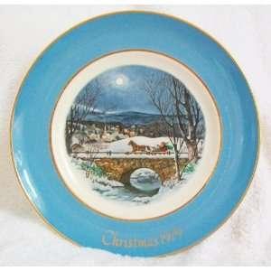 Avon 1979 Christmas Plate Dashing Through the Snow Everything Else